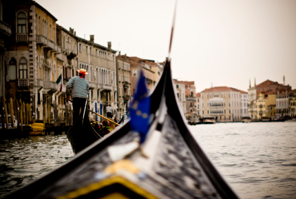 'They'll burn your boat': Paddling against the patriarchy | World Travel Guide