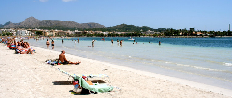 Port d'Alcudia Spain  city pictures gallery : Puerto de Alcúdia Beach in Spain, Balearic Islands beach information