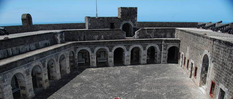 St Kitts And Nevis Travel Guide and Travel Information