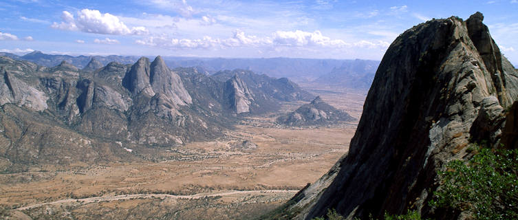 Eritrea Travel Guide and Travel Information